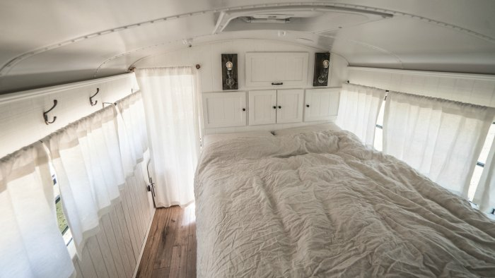 Bedroom Loft Bus Expedition Happiness