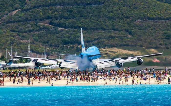 Aeroplane Departure in San Marteeen Beach