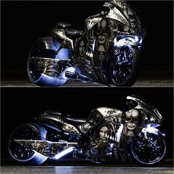 airbrushed shiny motorcycle