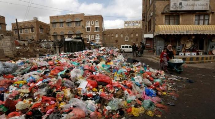 garbage in yemen