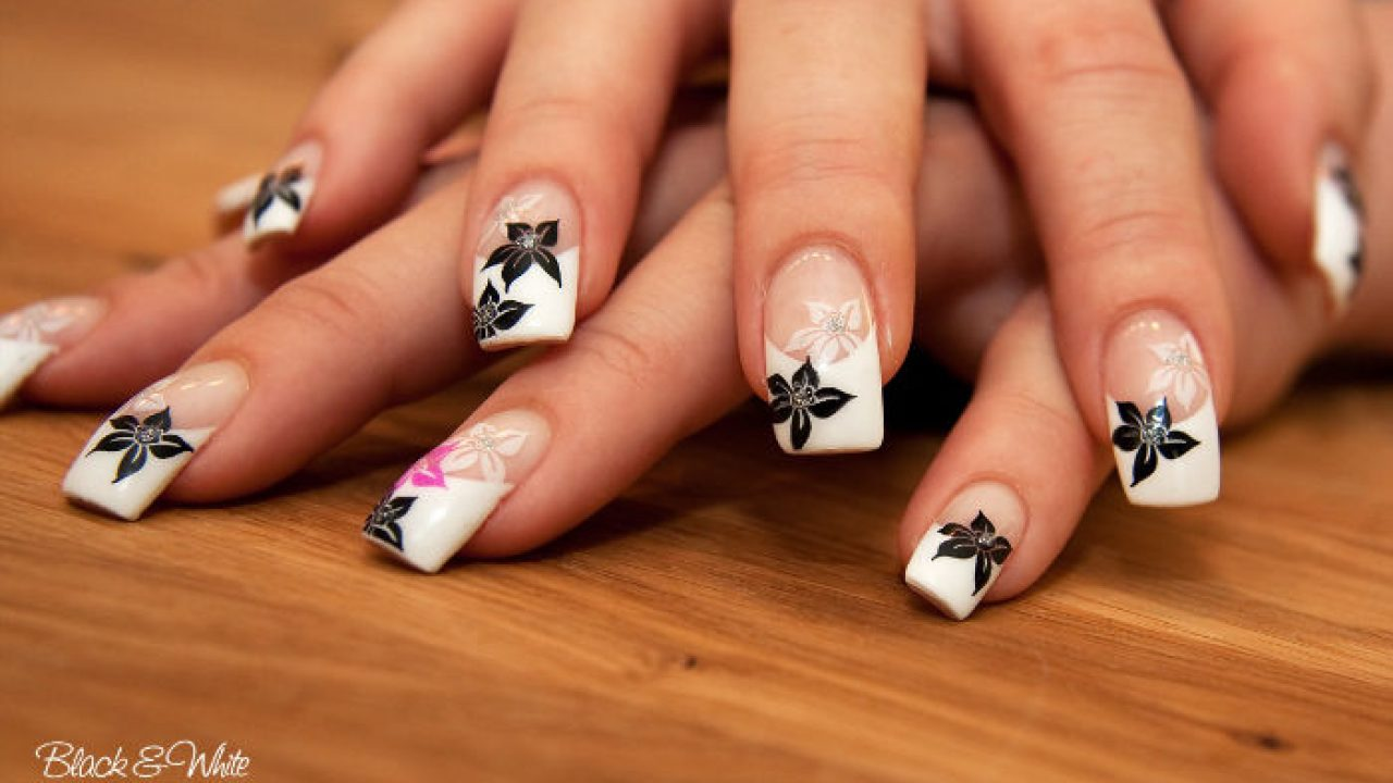 10 Floral Nail Art Ideas To Make Your Hands More Charming And Sensual