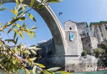bridge cliff diving mostar 2017