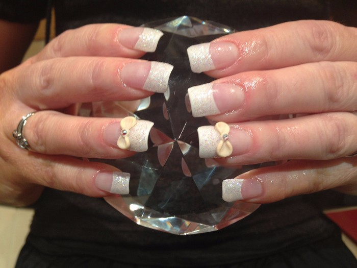 cream bows 3d nail art