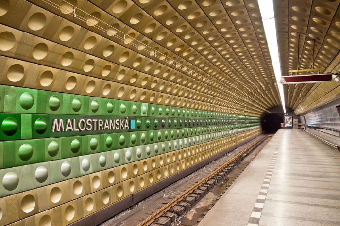 malostranska station prague