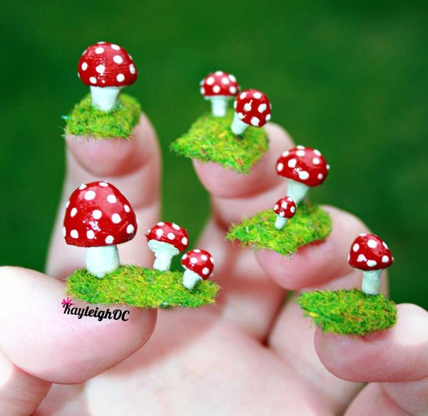 toadstools on grass nail art