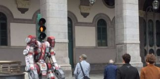 traffic light transformer robot