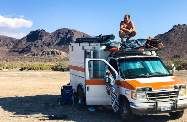 Guy converted an ambulance into a travelling house - The mobile little house the shortest way to freedom ...