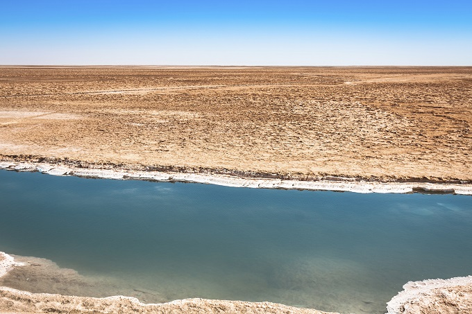 chott el djerid salt lake tunisia