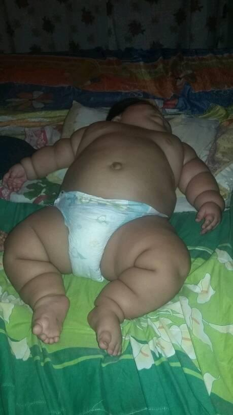 luis manuel worlds fattest baby in bed