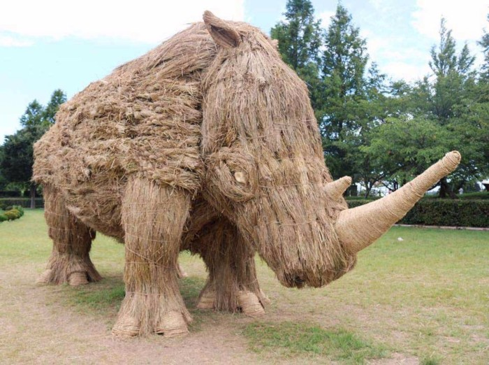 rhinoceros sculptures of rice straw